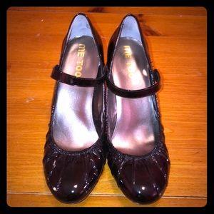 Me Too Size 10 Mary Jane Black Heels